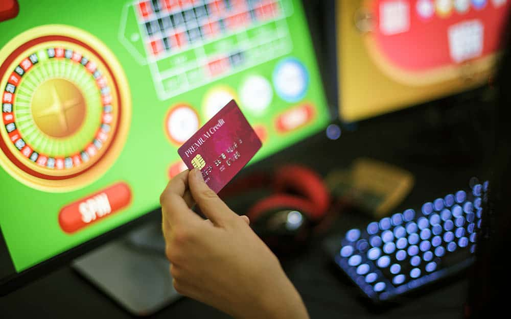 UK government says to ban credit cards for online gambling